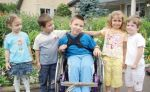 copil cu dizabilitati.jpg