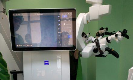 Un microscop operator ultramodern, destinat microchirurgiei reconstructive, a intrat în dotarea Spitalului de Recuperare Cluj