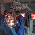 Prima intervenție chirurgicală cu cel mai performant microscop operator Spitalul Județean de Urgență Bistrița